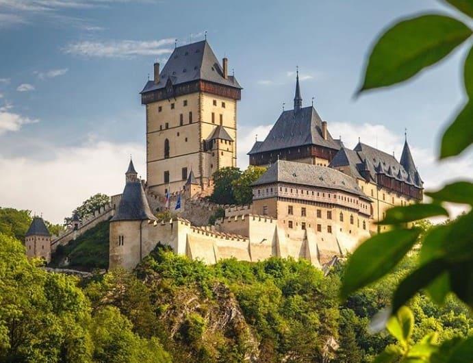 готический замок Карлштейн фотография