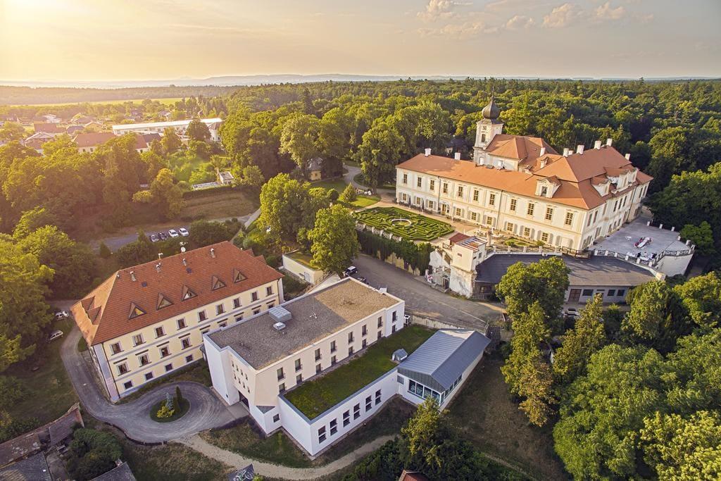 Замок Лоучень фото