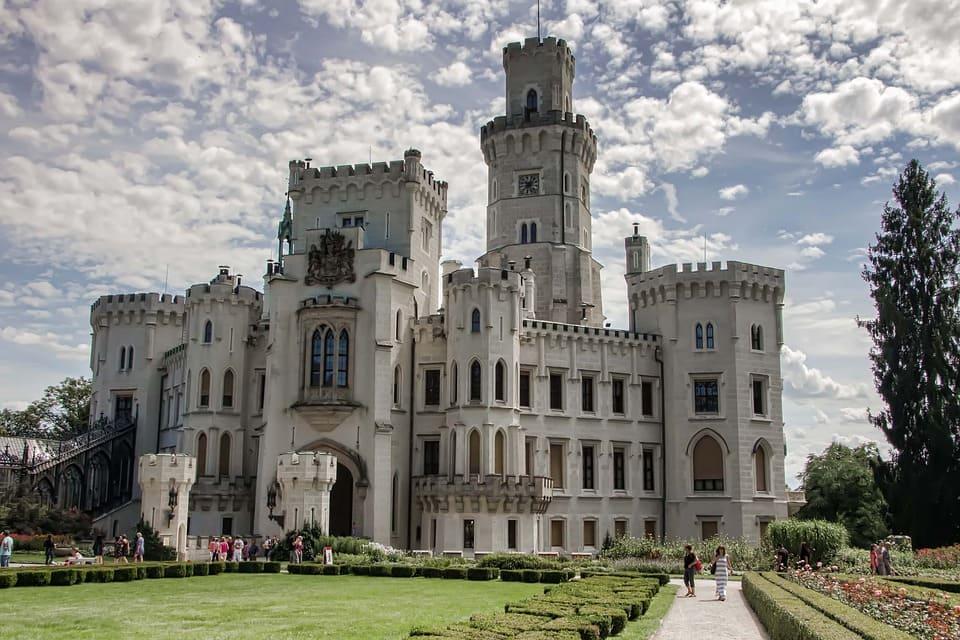 белоснежный замок Глубока фото