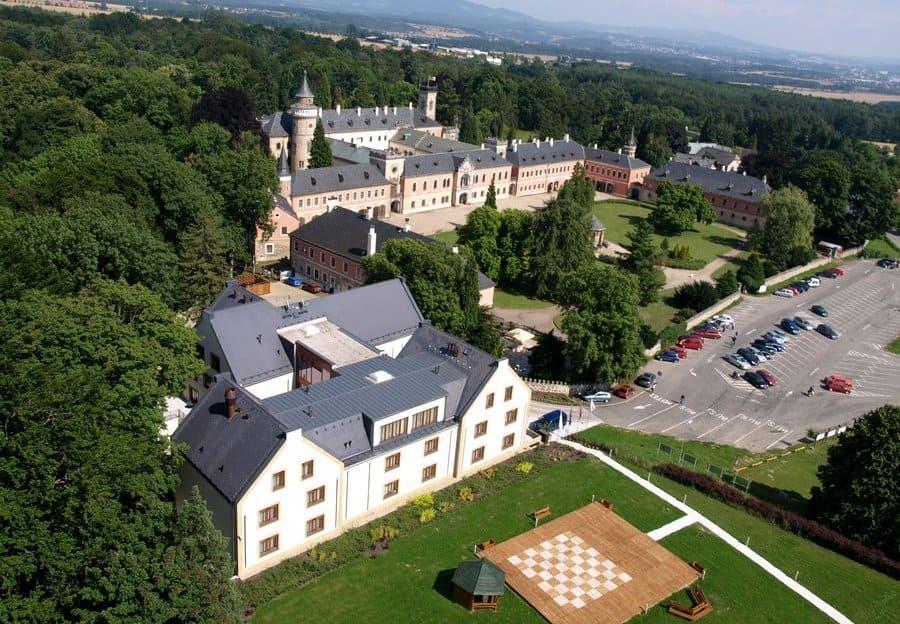замок Сихров фото